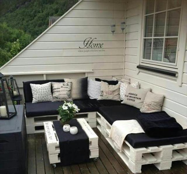 Popolare Divano con i pallet: Costruire un divano con i bancali 20 idee  NX89