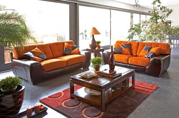 idee arredo legno e arancione