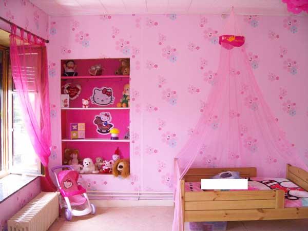 Idee cameretta bimba arredare una bella cameretta rosa for Arredamento cameretta bambina