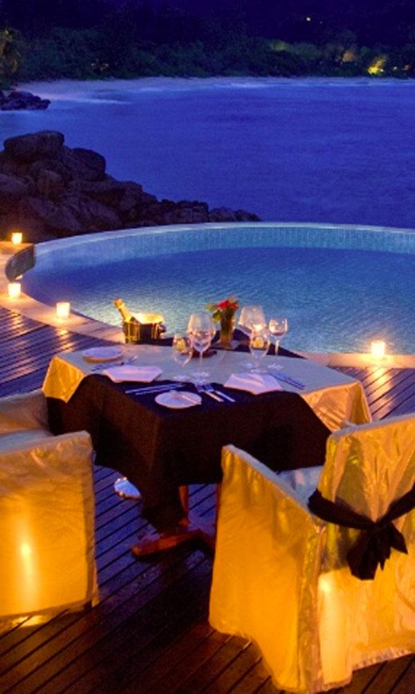 Cena romantica d 39 estate 20 posti con atmosfera romantica for Cena in piscina