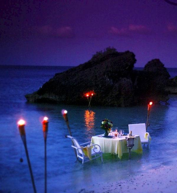Cena romantica d 39 estate 20 posti con atmosfera romantica - Condizionatore perde acqua dentro casa ...