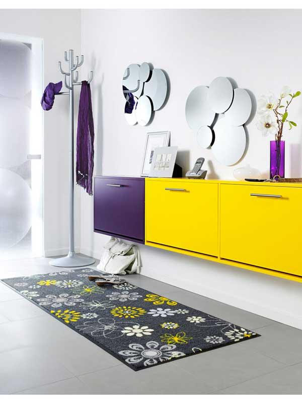 Arredare con il giallo un colpo di sole dentro casa - Decoration salle de bain jaune et bleu ...