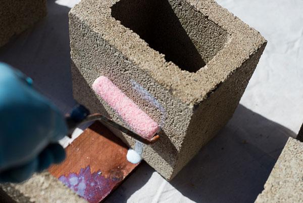 dipingere blocchi di cemento