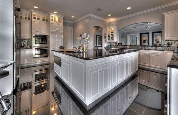 cucina bellissima bianca e nera