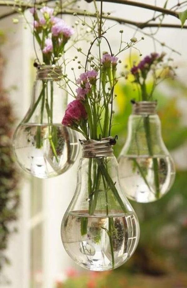 vasetti con lampadine