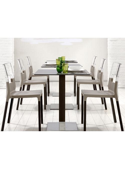 Sedie design 15 sedie molto design da scoprire for Sedie decorate da artisti