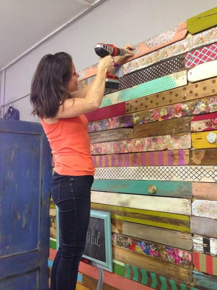 Rivestire una parete coi pallet 17 idee da cui trarre - Forrar paredes de madera ...