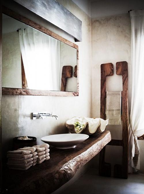 mobile in legno massello per il bagno