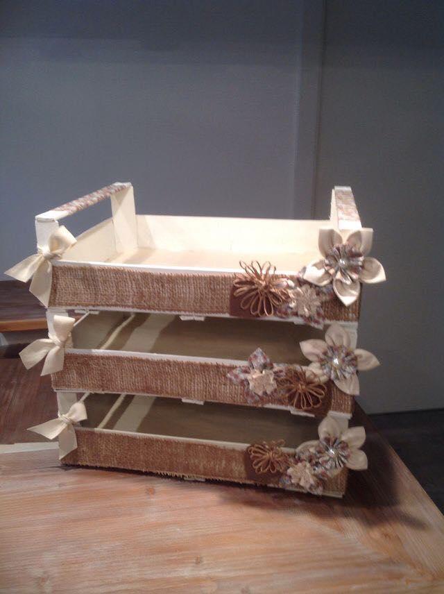 Riciclo creativo cassette della frutta in stile shabby for Riciclo creativo per la casa
