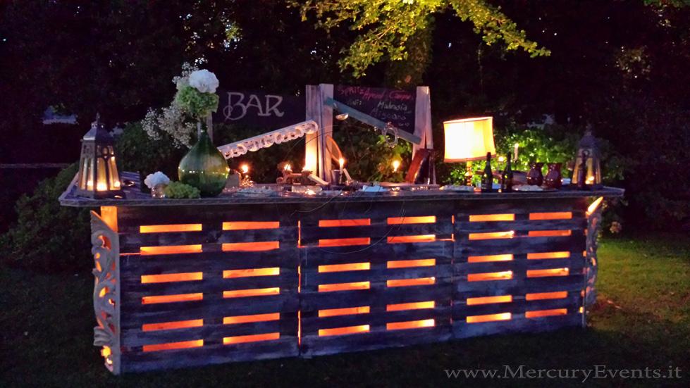 Angolo bar con pallet ecco 20 idee da cui trarre - Arredamento esterno con bancali ...