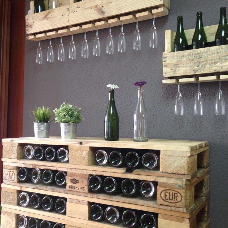 Angolo bar con pallet ecco 20 idee da cui trarre ispirazione - Idee deco bar maison ...
