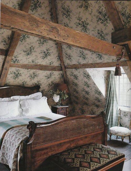 idee camera da letto travi 17