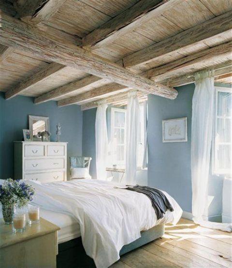 idee camera da letto travi 18