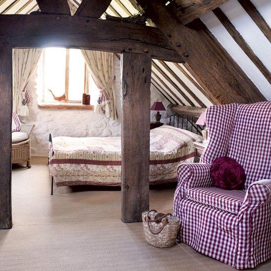 Travi in legno in camera da letto ecco 20 esempi for Capanna con 4 camere da letto