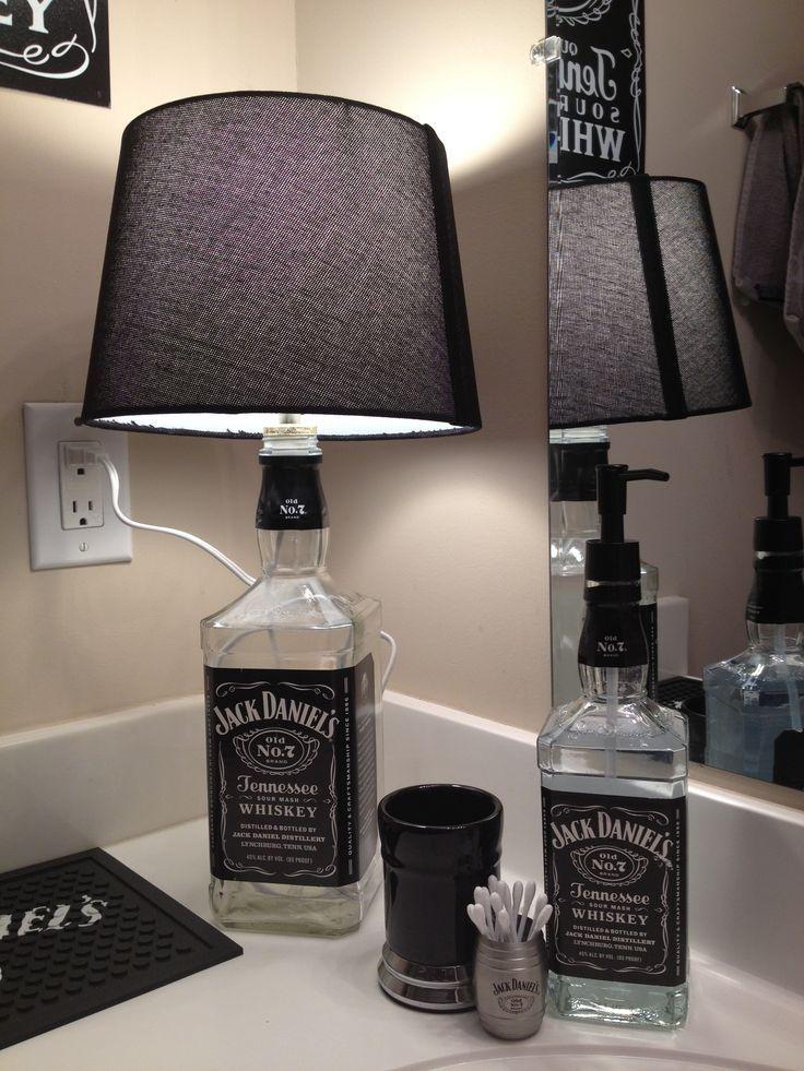 Riciclare bottiglie di jack daniels e creare un oggetto unico for Oggetto design casa