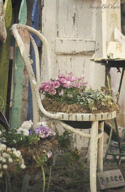 Vecchia sedia fiorita 20 idee a cui ispirarsi - Idea design casa ...