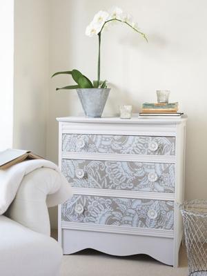 Decorare mobili con carta da parati ecco 20 idee - Mobili grezzi da decorare ...