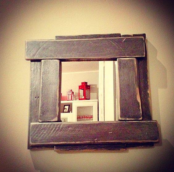 Specchio fai da te originale con materiale riciclato 20 - Parete in legno fai da te ...