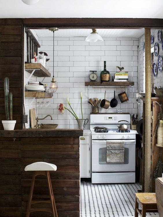 Bianco e LEGNO in cucina