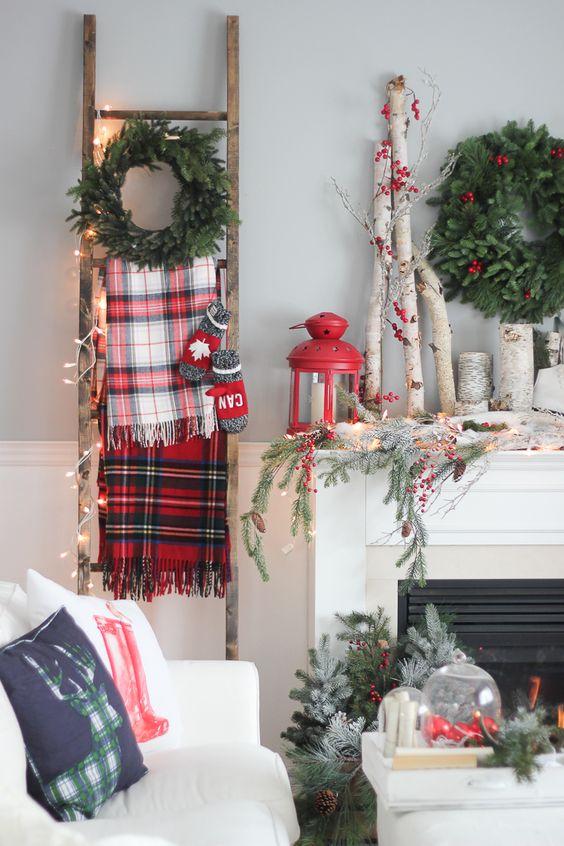 Decorare una scala per Natale
