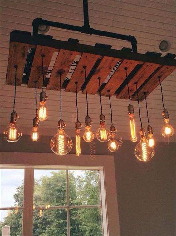 Creare un lampadario o una lampada con i bancali ? Idea n? 3