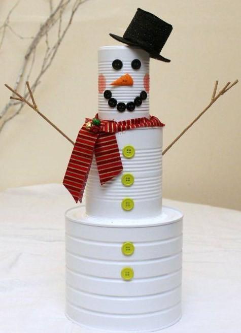 Riciclare i barattoli in latta per decorare a Natale
