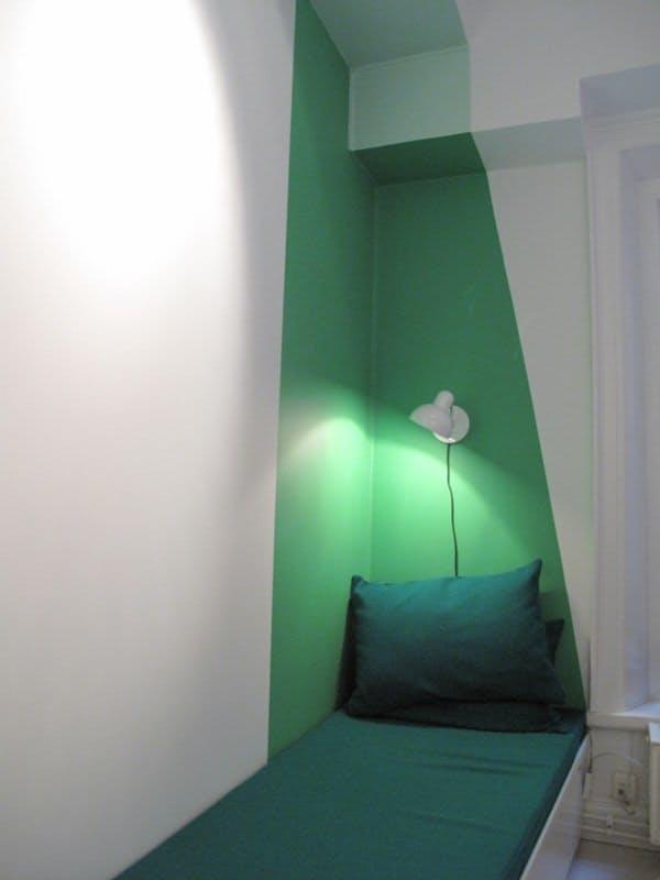 dipingere le pareti di casa in modo creativo 20 idee design. Black Bedroom Furniture Sets. Home Design Ideas