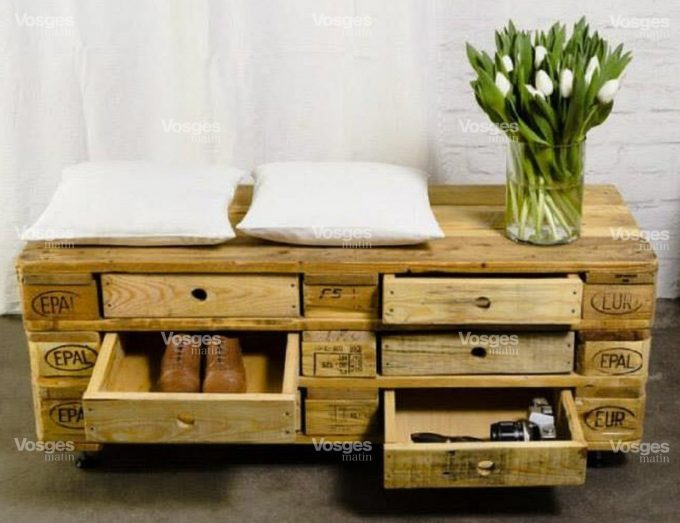 mobili originali con pallet 20 idee video tutorial. Black Bedroom Furniture Sets. Home Design Ideas
