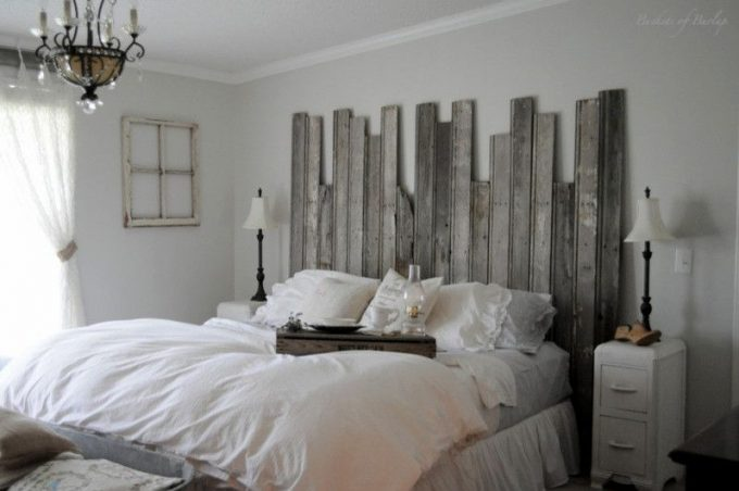 Turn a pallet in a shabby chic furniture idea 5