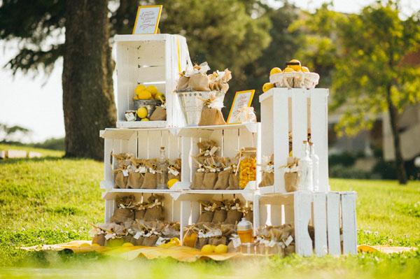 Matrimonio Tema Limoni : Decorare un matrimonio con cassette di legno ecco idee