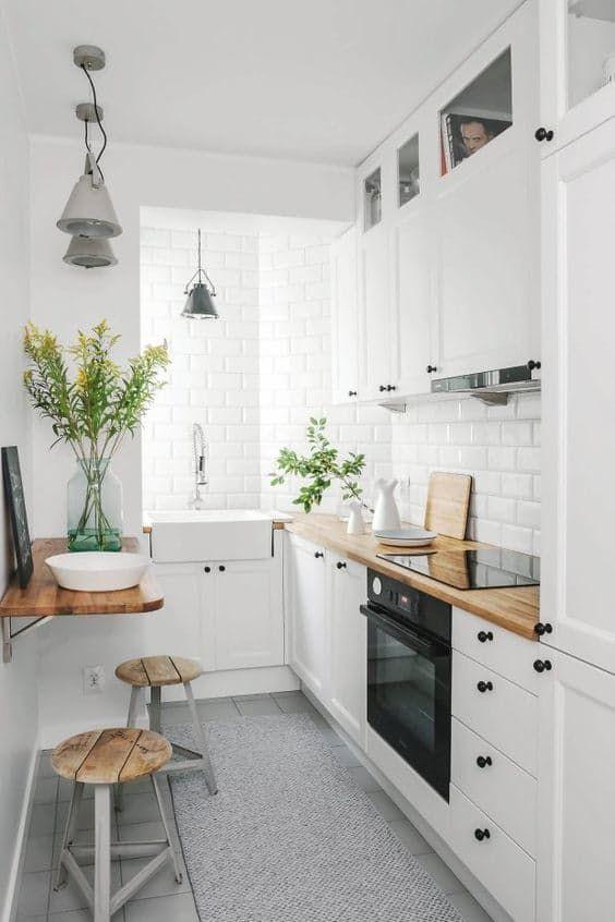 Popolare Arredare una cucina stretta e lunga Ecco 20 esempi a cui ispirarsi! ZB56