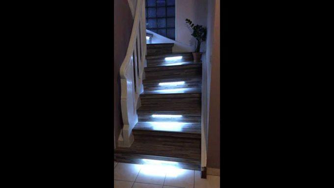 idee illuminazione scale con led 11