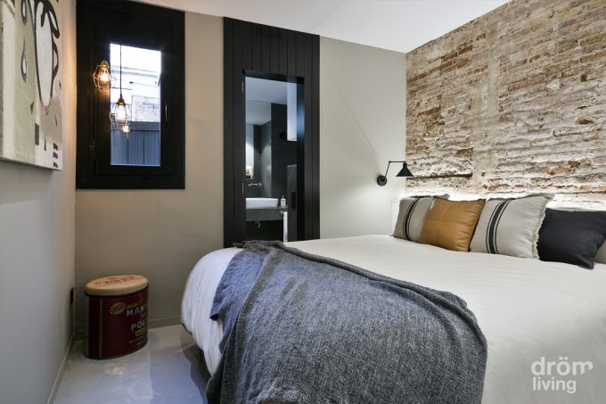 Decorare una parete con le pietre in camera da letto 20 - Camera da letto stile industriale ...