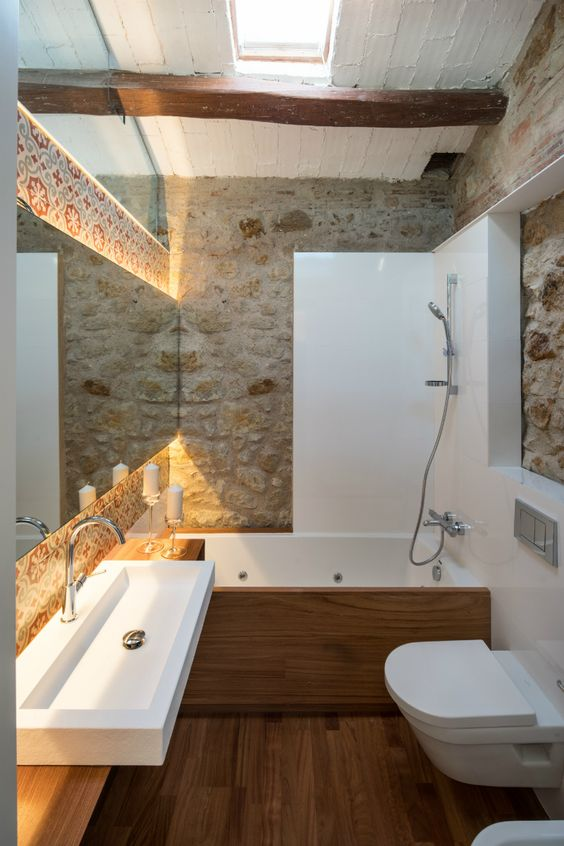 Rivestimenti in pietra nel bagno 20 esempi bellissimi a cui ispirarsi - Spiata nel bagno ...