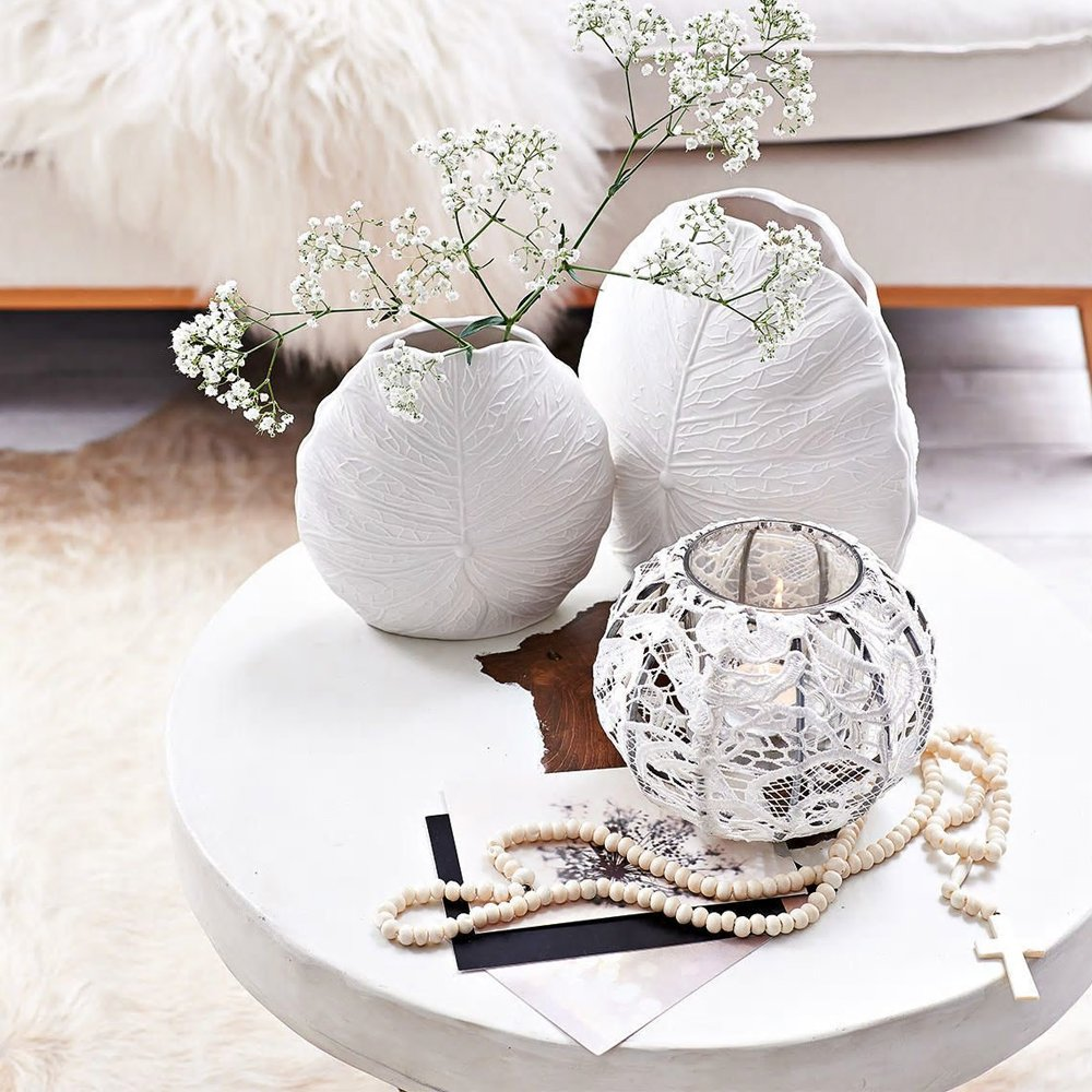 Vasi bianchi molto eleganti, stile lussuoso.