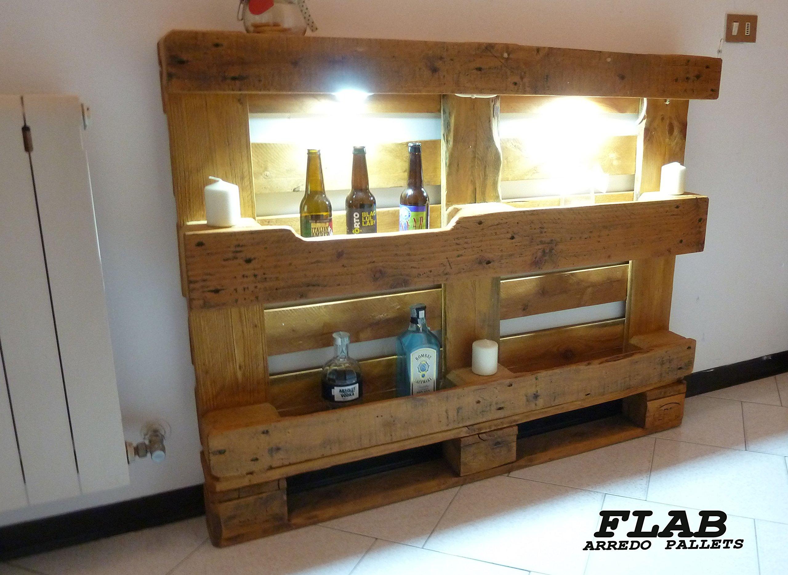 Console realizzata con bancale in legno, ideale per l'ingresso di casa.