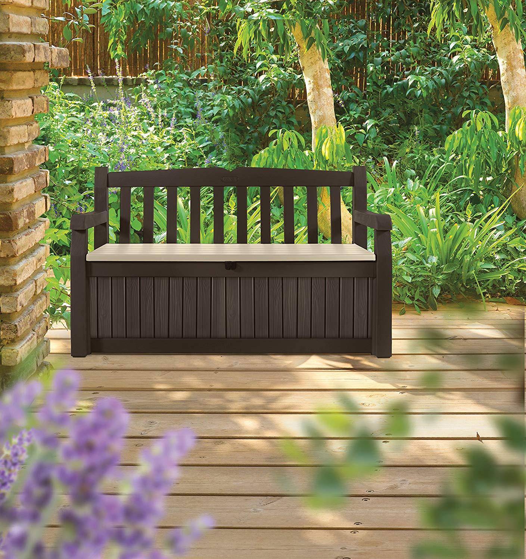 Bella panca da giardino con contenitore, ideale per il portico di casa.